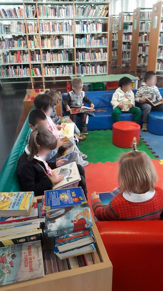 Laboratorio con i bimbi presso la Biblioteca Bruschi Sartori di Sestri Ponente